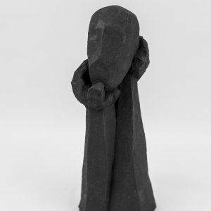 Sculpture Entre les mains d'un autre Caco Juan José Ruiz