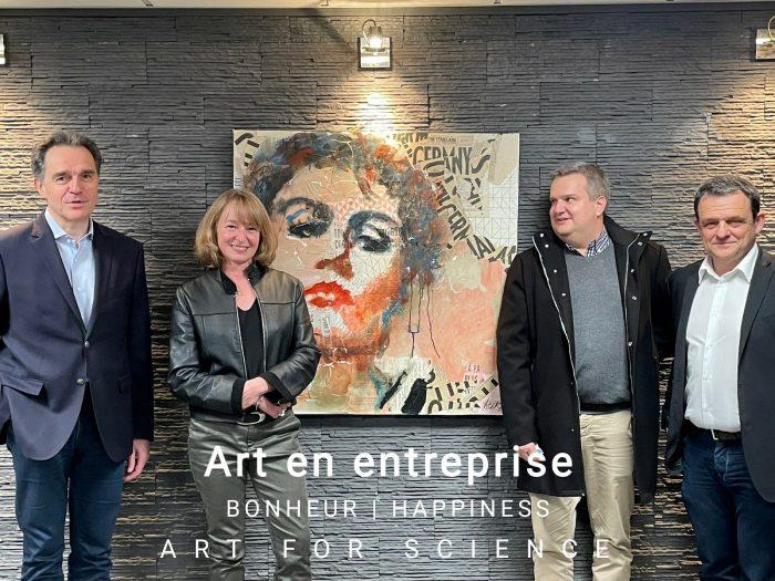 Oeuvre d'art en entreprise photo Aurélie Salvaing Art For Science chez Visiativ à Lyon